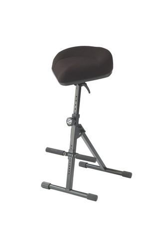 Image of   K&M justérbar stol med fodstøtte, sort stof